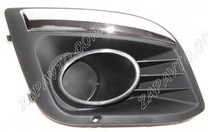 Заглушка переднего бампера (противотуманных фар) Калина 2 (правая, вставка хром)