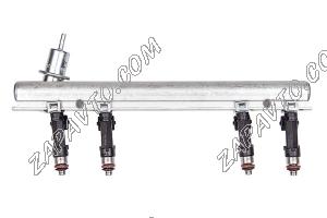 Рампа топливная 2104 RUS в сборе с форсунками