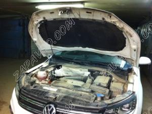 "Упор капота Volkswagen Tiguan (2008-)(в сборе с кронштейном) ""ТехноМастер"""