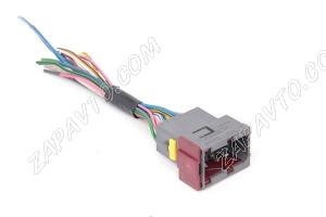Разъем соединяющий жгут системы зажигания с пучком провод.панели приборов М7.9.7