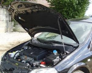 "Упор капота Nissan Primera III (2001-2008) (в сборе с кронштейном) ""ТехноМастер"""